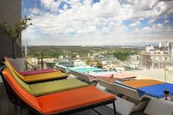 Hotel Indigo, Apartosuites Jardines Sabatini y Los Galayos, ganadores de los Premios Gato Terrazas 2016 - La Viña